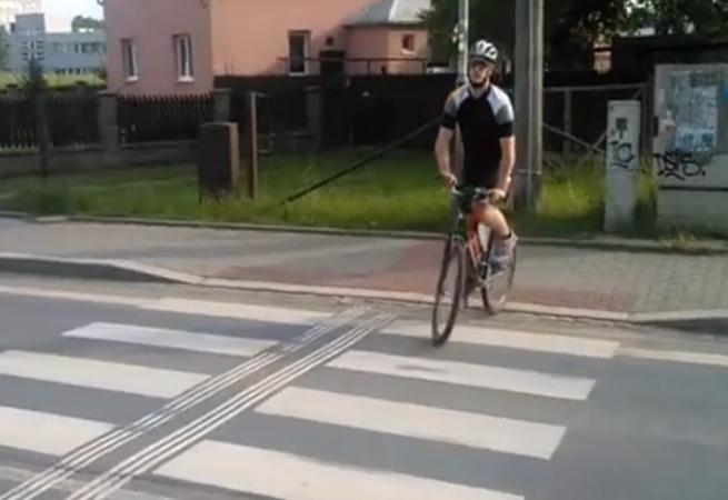 Agresor na kole
