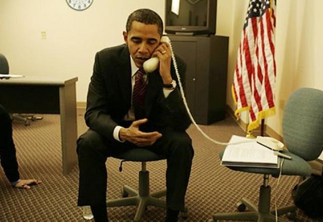 Křovák Xi-Xao Obama telefonuje
