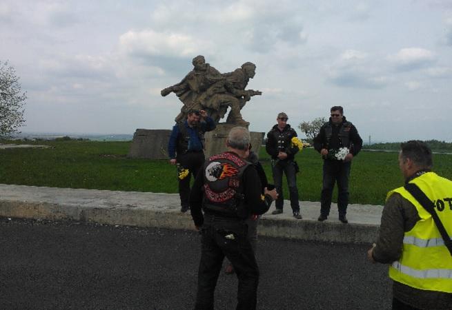 Ruští motorkáři v Hrabyni